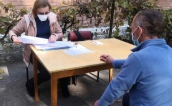 Соціальна працівниця допомогла підписати договір із лікарем